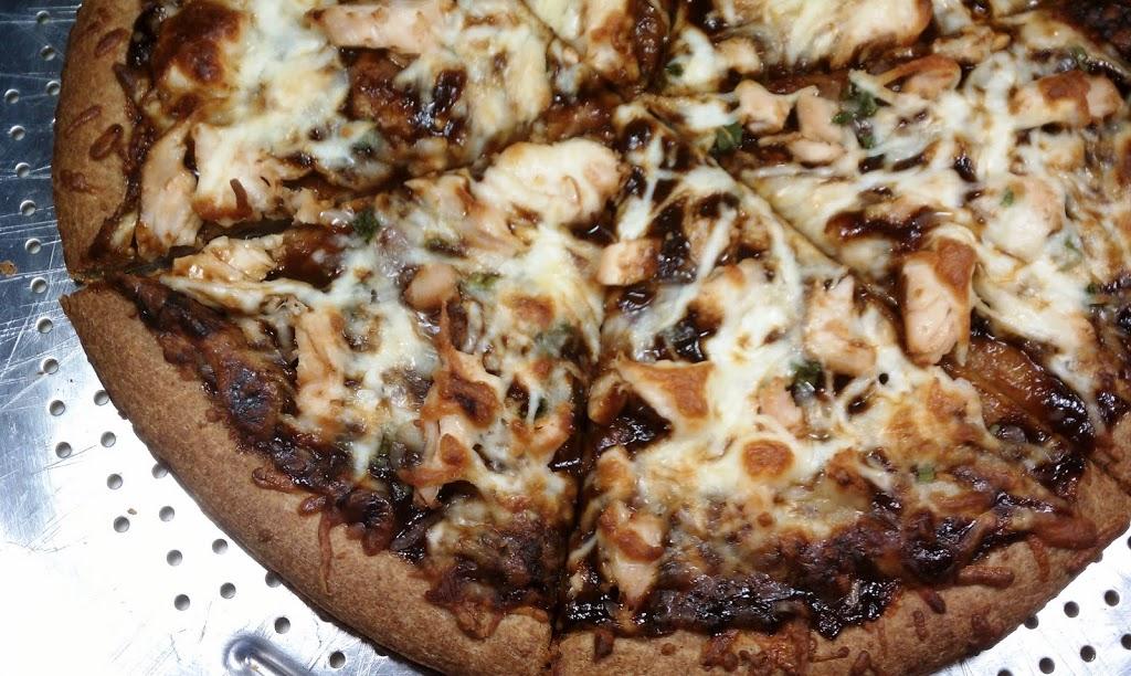 BBQ-Chicken-Pizza-cut-3.jpg