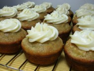 Hummingbird-Cupcakes-Rack-cam