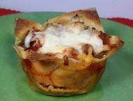 Lasagna Wonton Cupcakes