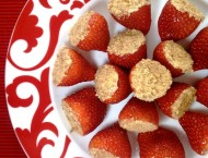 Cheesecake-Stuffed-Strawberries-4b