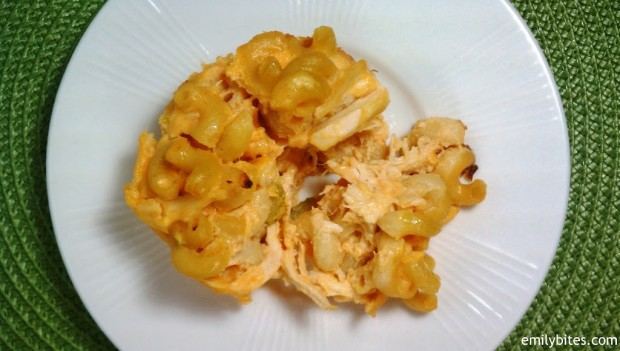 Buffalo Chicken Mac and Cheese Muffins