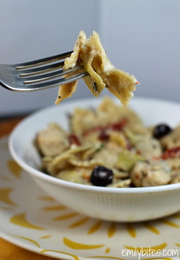 Mediterranean Pasta in a Creamy Feta Sauce