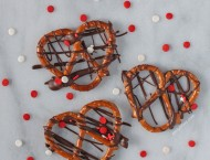 Chocolate Drizzled Pretzels