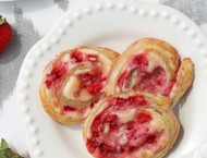 Strawberry Cheesecake Pinwheels