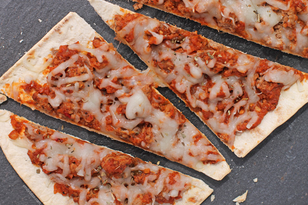 Sloppy Joe Flatbread Pizzas