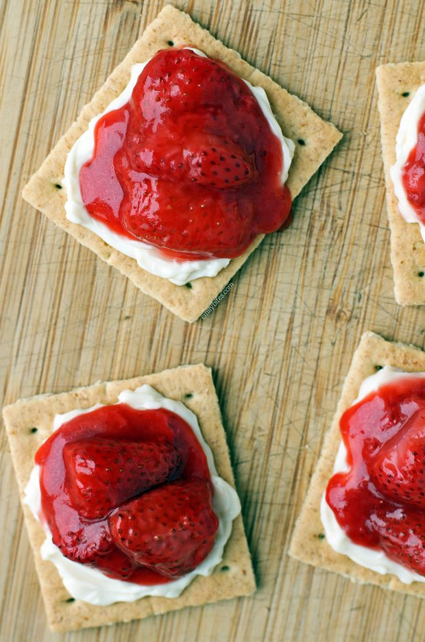 Strawberry Cheese Grahams