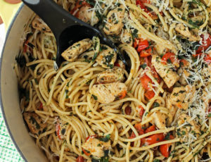 Bruschetta Chicken Pasta in a pot
