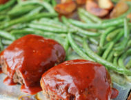 Sheet Pan Meatloaves with Roasted Potatoes and Green Beans on the pan