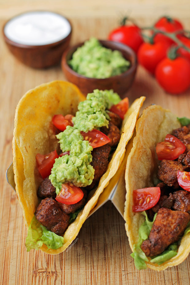 Easy Chicken Tacos with guacamole