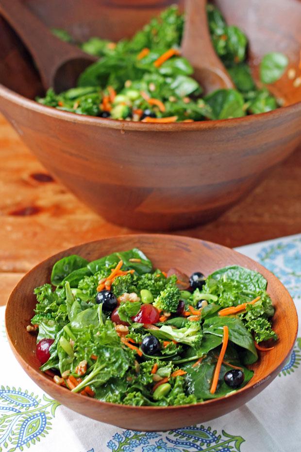 Superfood Salad serving