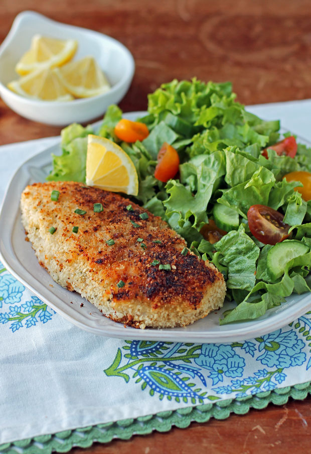 Crispy Onion Dip Chicken with salad