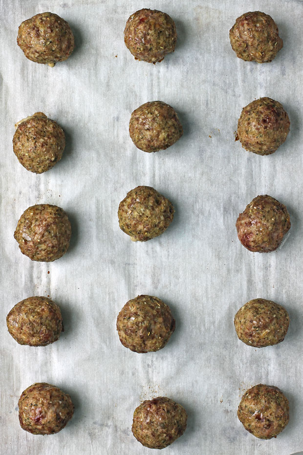 Baked beef and turkey meatballs